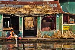 Lessive au village flottant