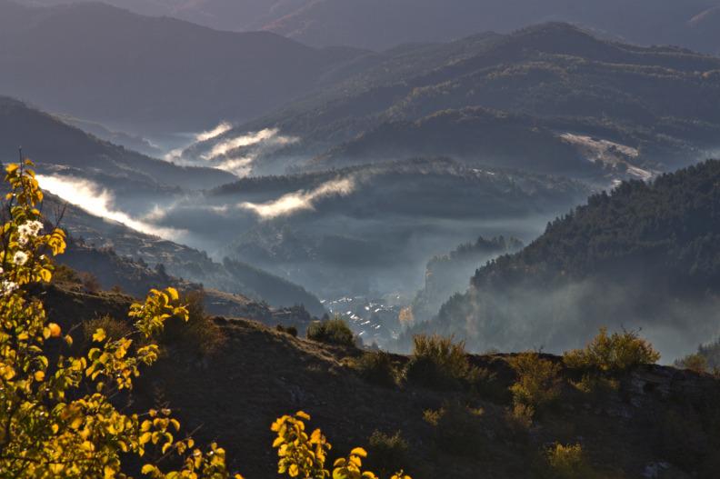 Meyrueis dans la brume
